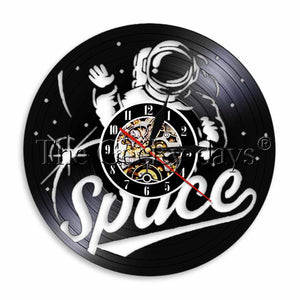 1Piece Astronaut Vinyl Record Wall Clock Space Room Wall Light Spacesuit Gramophone Tiem Clock Vintage Home Decor Spacemen Gift