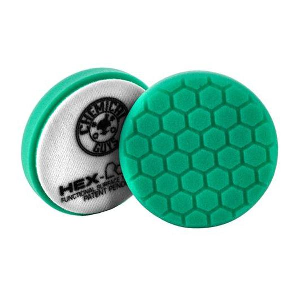 Green Hex-Logic pad spreads the polishing compound over the surface for an even cut and attractive polishing outcome