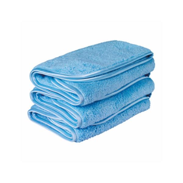 wedge-shaped microfiber traps and lifts away dust and residue, revealing a deep color and bright luster.