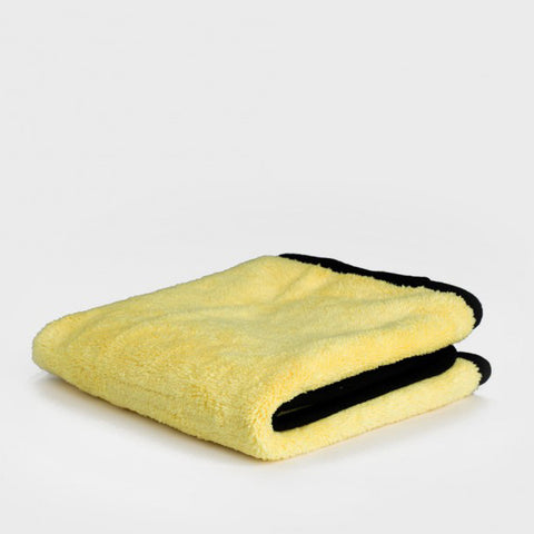 The Primo Plush cloth has a deep fluffy pile both sides, with black micro-suede edging for scratch-less detailing
