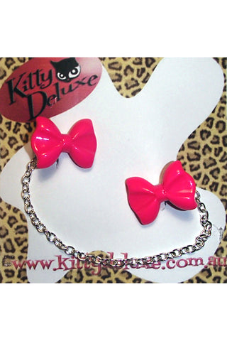 Kitty Deluxe Cardigan Clips in Plain Pink Bow Design