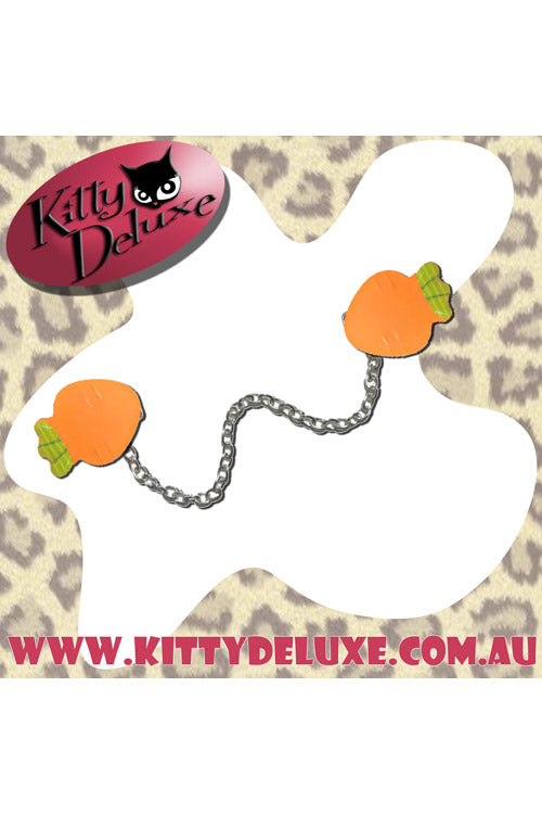 Kitty Deluxe Cardigan Clips in Chris the Carrot