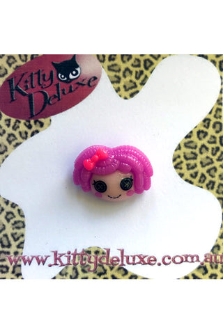 Kitty Deluxe Broochlette Mini Brooch in Purple Dolly