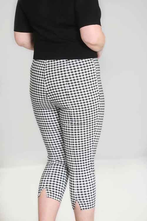 Hell Bunny Judy Capri Pants in Black & White