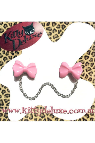 Kitty Deluxe Cardigan Clips in Plain Light Pink Bow Design