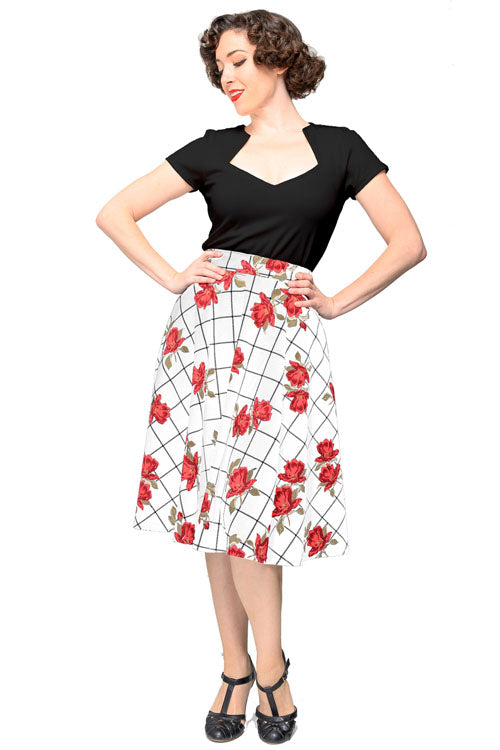 Steady War of the Roses Thrills Skirt with Pockets in Ivory/Red