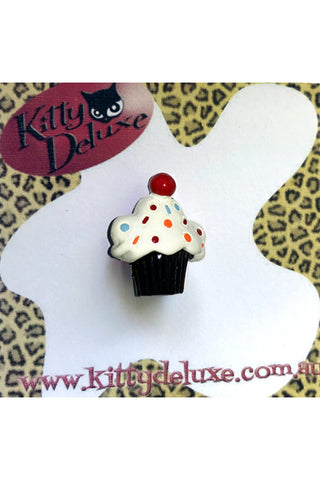 Kitty Deluxe Broochlette Mini Brooch in Sprinkles Cupcake