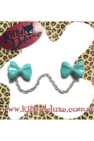 Kitty Deluxe Cardigan Clips in Plain Teal Bow Design