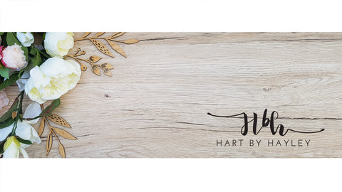 Wooden banner with neutral flowers