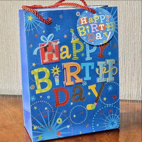Medium or Large 3D Happy Birthday Gift Bags & Tag!!