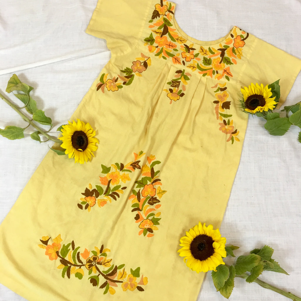 VINTAGE ECUADORIAN EMBROIDERED DRESS