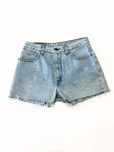VINTAGE LEVI DENIM SHORTS - BLEACHED DENIM