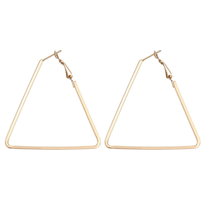 Geometric basic hoops