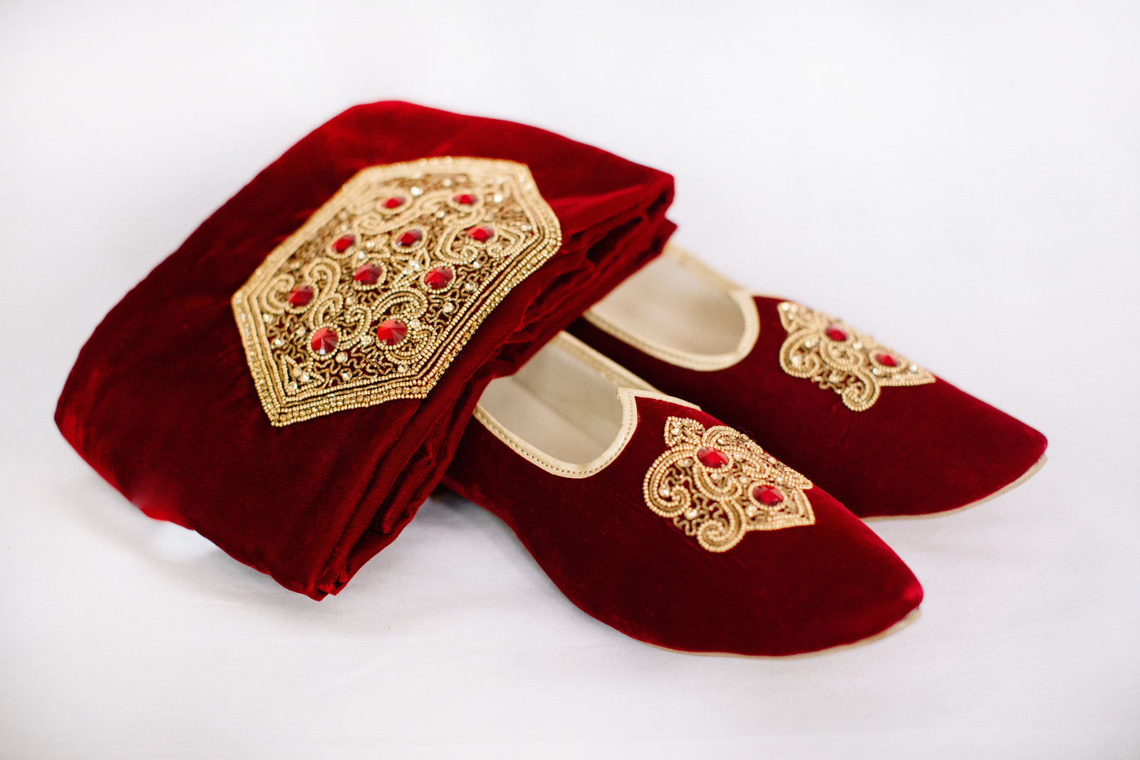Maroon Embroidered Jutti/Mojri with Sash
