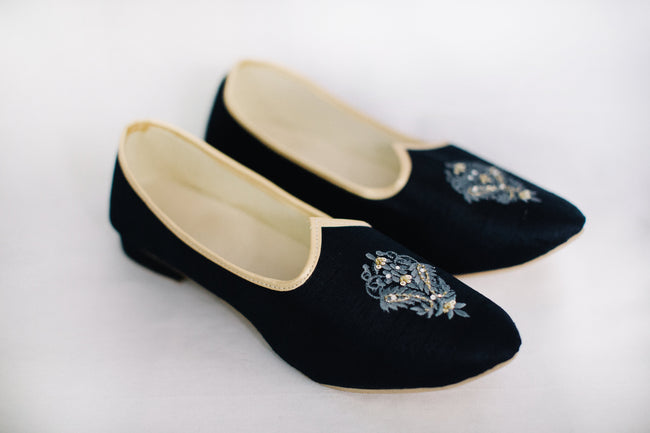 Navy Blue Embroidered Jutti/Mojri