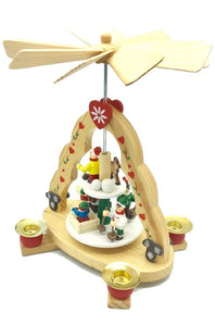 WOODEN SMALL PYRAMID WITH LOVE HEARTS AND WINTER SCENE 4 CANDLES