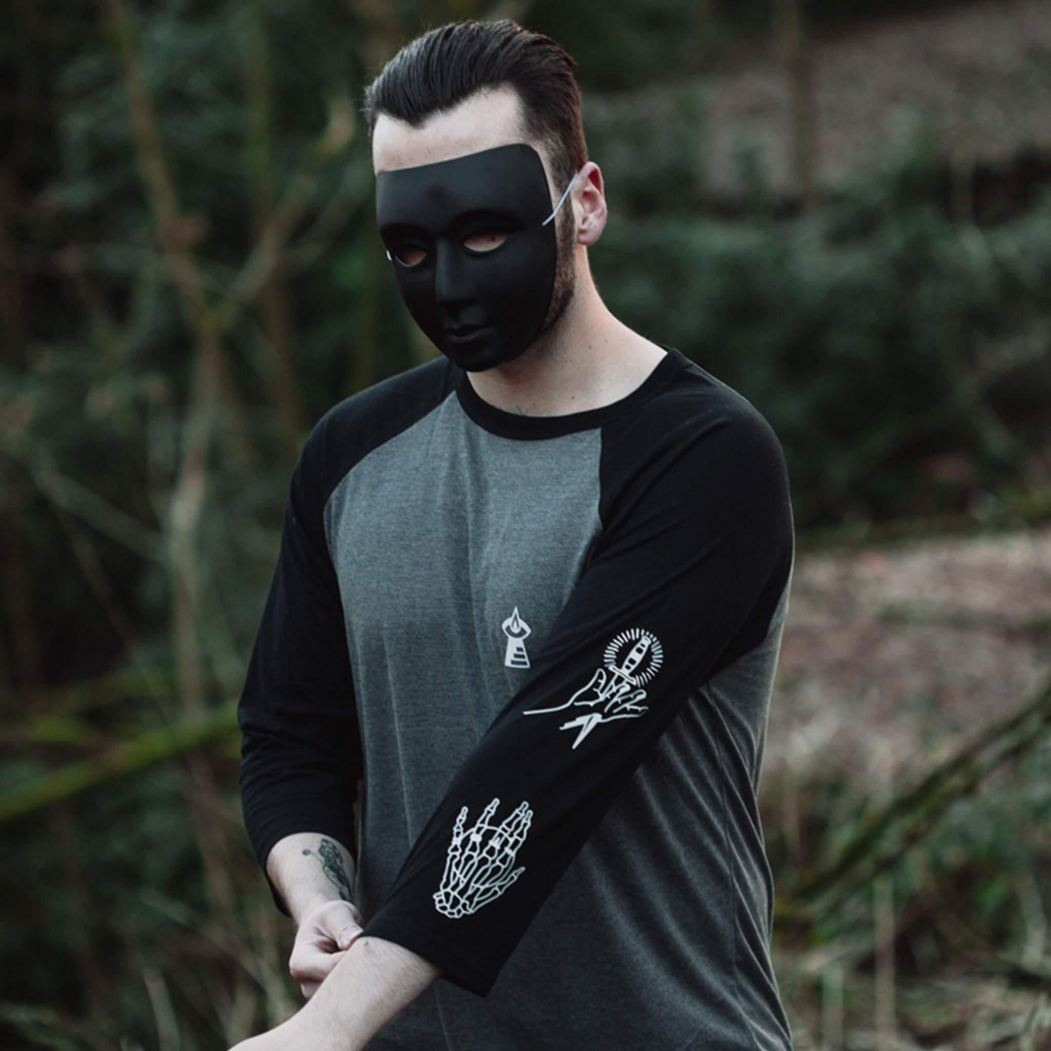 The Lost Lodge T Shirt Hands of Origin ☛ Deep Heather / Black Raglan