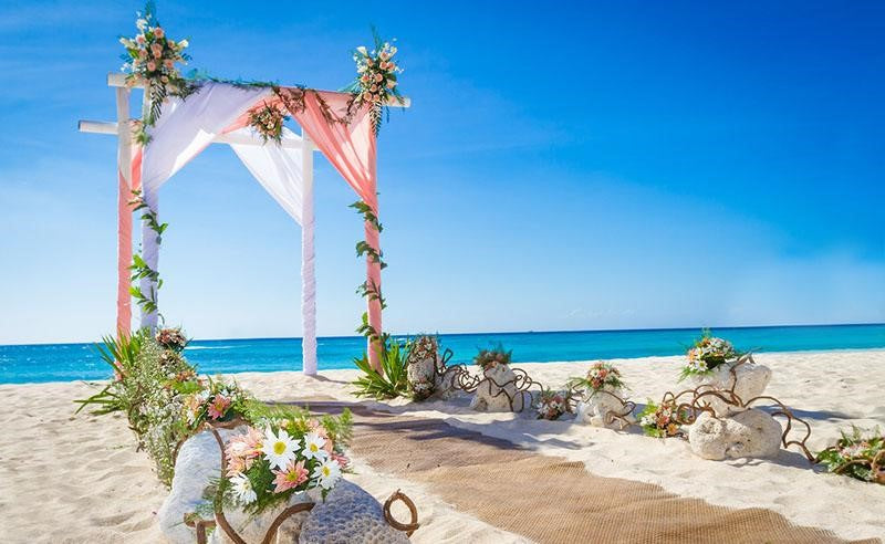 southern tide wedding on the beach