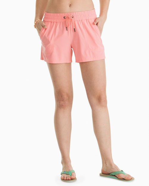 Coastal Performance Solid Short | Southern Tide