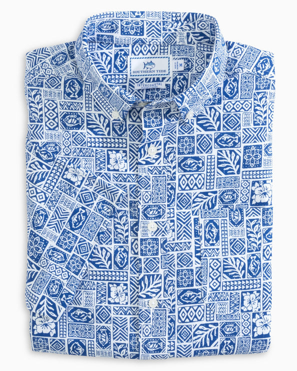 Island Print Performance Short Sleeve Button Down Shirt