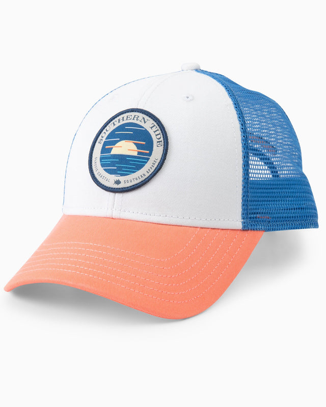 Circle Horizon Patch Trucker Hat | Southern Tide