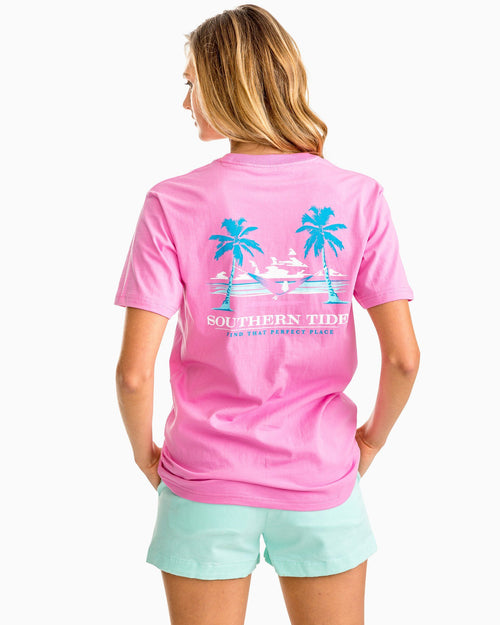 Women's Palm Trees & Hammock Graphic T-shirt | Southern Tide