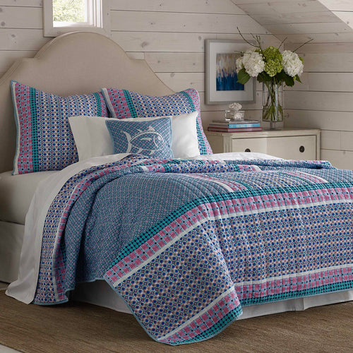 Stowaway Ditsy Dot Quilt | Southern Tide