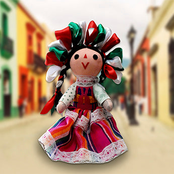 """María"", the Mexican doll that defeated her imitation made in China"