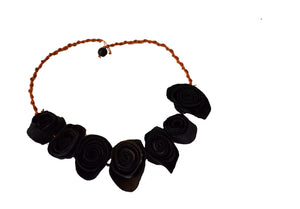 Orange skin necklace 7 flowers