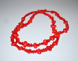 Bean necklace with seeds