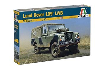 1/35 LAND ROVER SERIES III 109 'GUARDIA CIVIL'