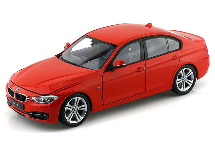 1/18 BMW 335I COLLECTION RED 2010
