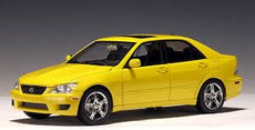 1/18 LEXUS IS 300 2000 YELLOW