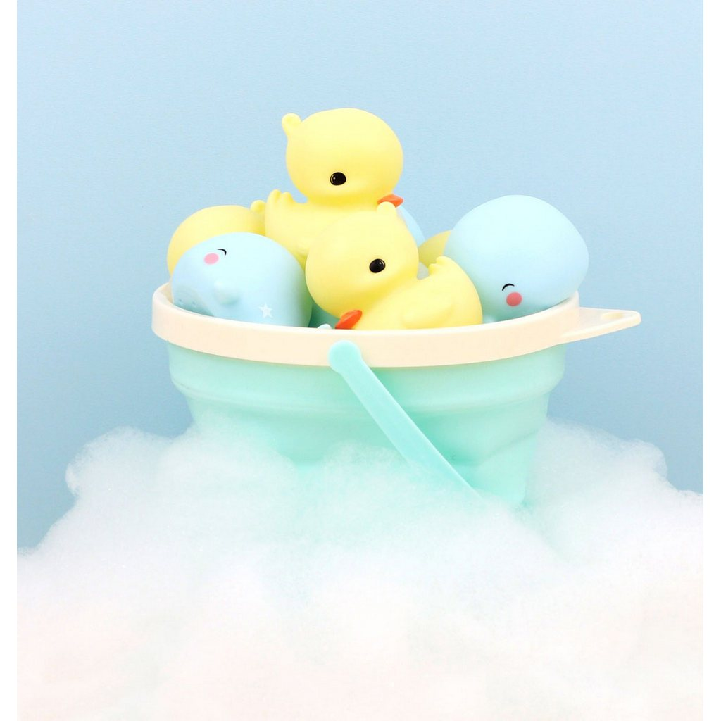 How to clean Bath Toys | Bambinista