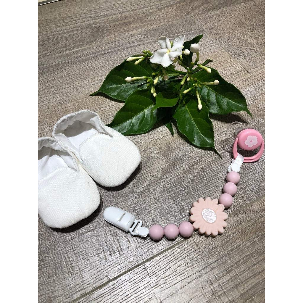 Bambinista-NIBBLING LONDON-Accessories-Teething Dummy Clip Petal Pink