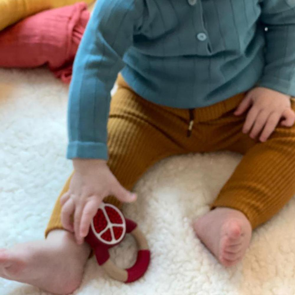 Bambinista-NIBBLING LONDON-Accessories-Teething Toy Superfoods Pomegranate