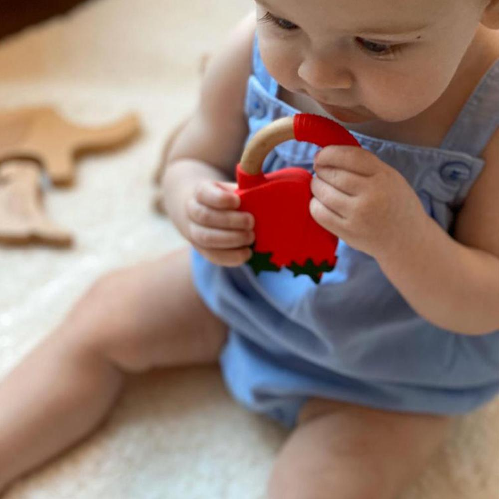 Bambinista-NIBBLING LONDON-Accessories-Teething Toy Superfoods Strawberry
