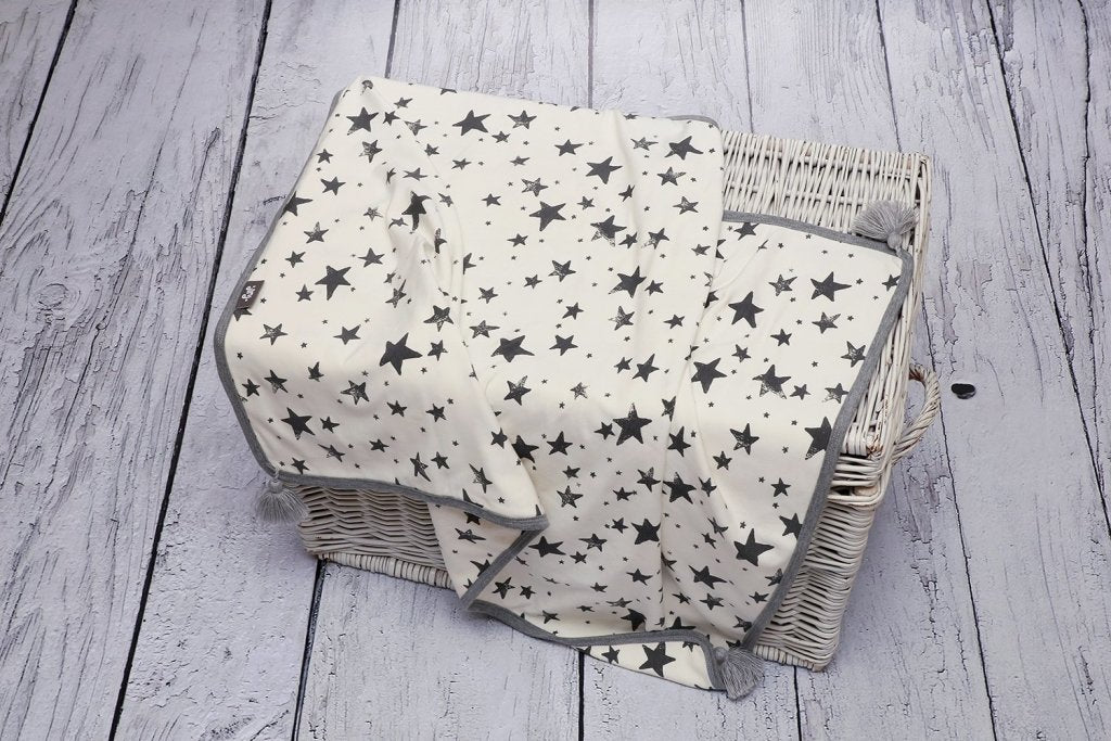 Bambinista-PULP-Blankets-Bamboo Reversible Blanket with Pompoms Star Grey