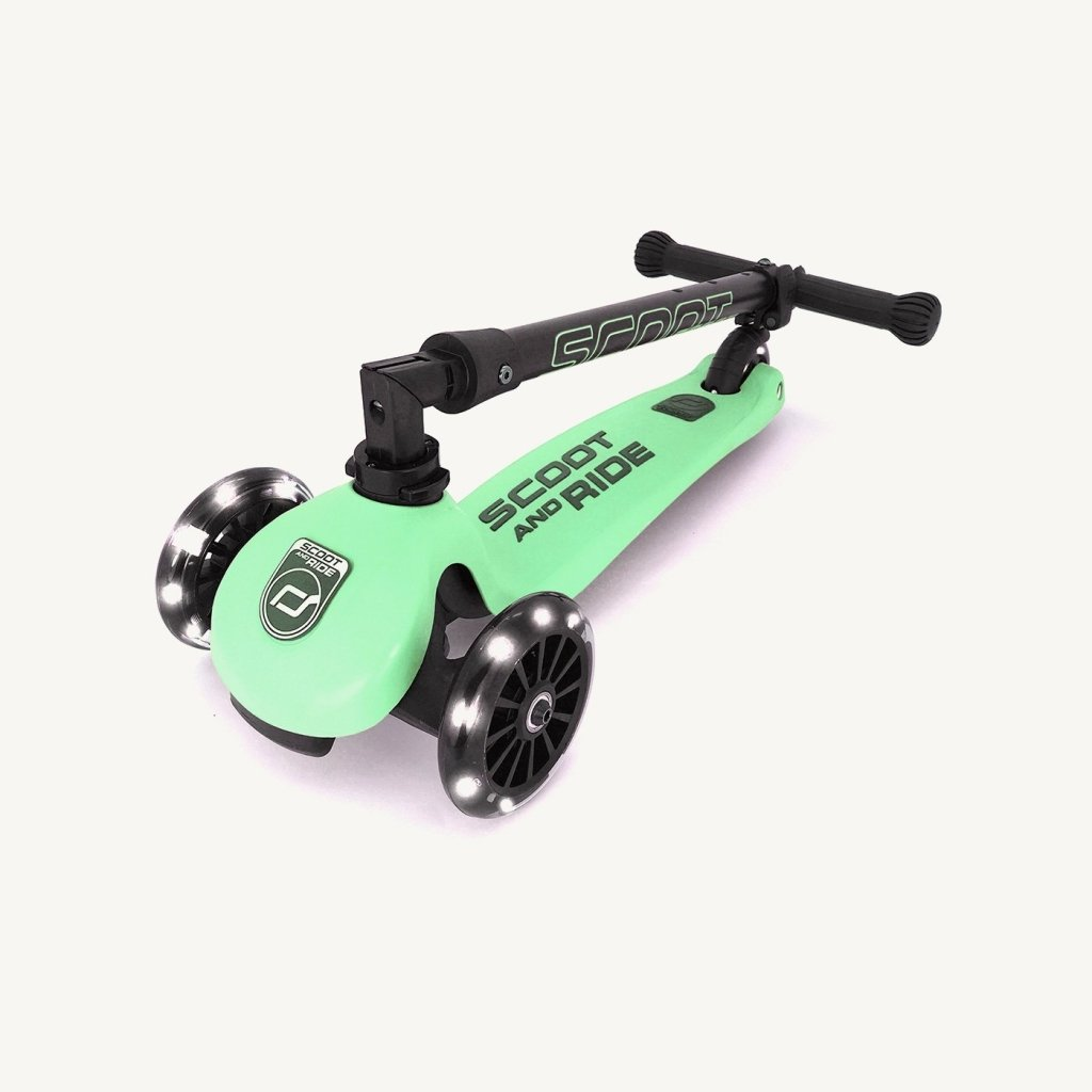 Bambinista-SCOOT AND RIDE-Toys-Highway Kick 3 LED - Kiwi