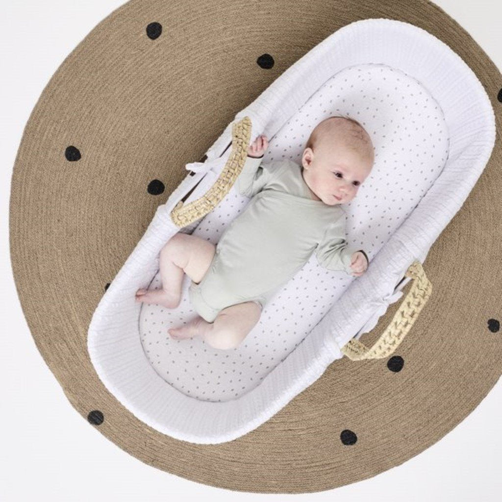 Bambinista-THE LITTLE GREEN SHEEP-Furniture-The Little Green Sheep Natural Knitted Moses Basket & Mattress - White