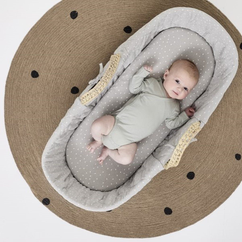 Bambinista-THE LITTLE GREEN SHEEP-Furniture-The Little Green Sheep Natural Quilted Moses Basket & Mattress - Dove Rice