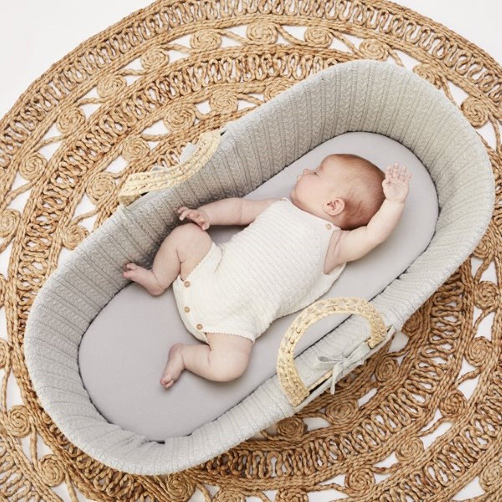 Bambinista-THE LITTLE GREEN SHEEP-Furniture-The Little Green Sheep Organic Knitted Moses Basket & Mattress - Dove