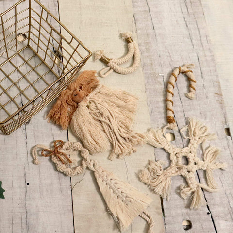 'TIS THE SEASON CHRISTMAS BASKET - 6 WHITE MACRAME ORNAMENTS + JORG BASKET