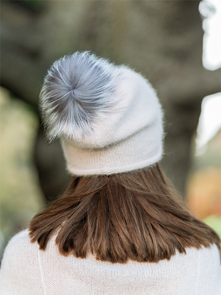 SLOUCHY BEANIE WITH FUR POM POM