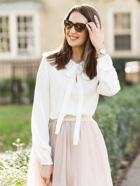 THE BLOUSE WITH A BOW