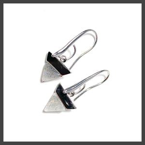 Solid Triangle Earrings in Labradorite/Silver