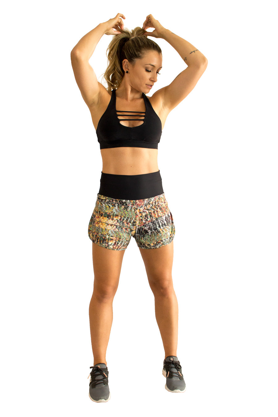 Praiana Run Shorts - women yoga clothes beBrazil