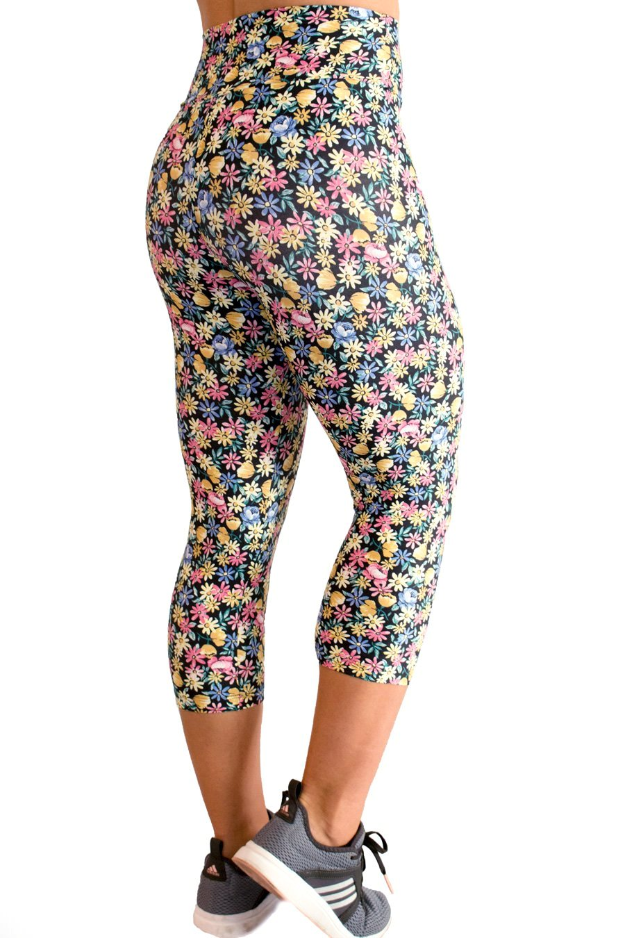 Flores de Alegria Light CO2 Capris - women yoga clothes beBrazil