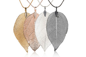 Dangling Leaf Pendant Necklace
