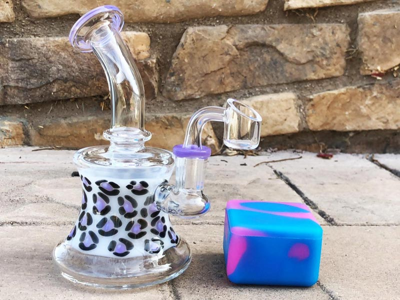 20 Cute Glass Pipes and Bongs You Must See